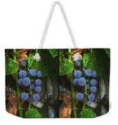 Grapes On The Vine - Gently Cross Your Eyes And Focus On The Middle Image Weekender Tote Bag