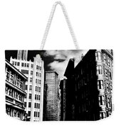 Manhattan Highlights B W Weekender Tote Bag