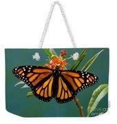 Monarch Butterfly Danaus Plexippus Weekender Tote Bag