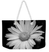 Raindrops On Daisy Weekender Tote Bag