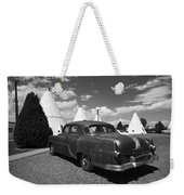Route 66 Wigwam Motel And Classic Car 5 Weekender Tote Bag