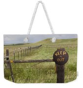 Rusty Keep Out Sign On Fence - California Usa Weekender Tote Bag