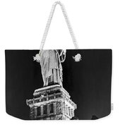 Statue Of Liberty On V-e Day Weekender Tote Bag