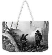 Wwi American Soldiers  Weekender Tote Bag by Photo Researchers