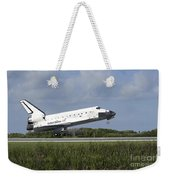 Space Shuttle Discovery Lands On Runway Weekender Tote Bag