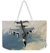An F-16 Fighting Falcon Refuels Weekender Tote Bag