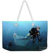 Diver Removes Invasive Indo-pacific Weekender Tote Bag
