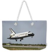 Space Shuttle Discovery Approaches Weekender Tote Bag