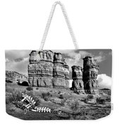 Death On Notom-bullfrog Road - Capitol Reef - Bw Weekender Tote Bag