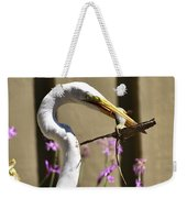 Great Egret With Lizard Who Is Holding Onto Wood Weekender Tote Bag