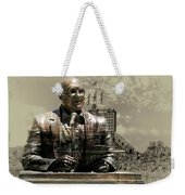 Harry Caray Statue With Historic Wrigley Scoreboard In Heirloom Weekender Tote Bag