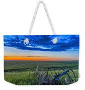 Moon And Venus In Conjunction At Dawn Weekender Tote Bag