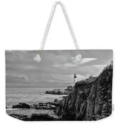 Portland Head Lighthouse - Cape Elizabeth Maine In Black And White Weekender Tote Bag