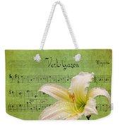 Raindrops On Lily Weekender Tote Bag