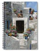 piccole case bianche di Grecia Spiral Notebook