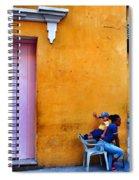 En Las Espaldas De Las Mujeres Spiral Notebook