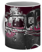 Bonnie And Clyde Death Car South Of Gibsland Toward Sailes Louisiana May 23 1933-2013 Coffee Mug