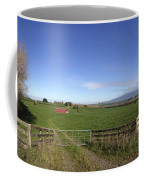 Old Barn Coffee Mug by Les Cunliffe
