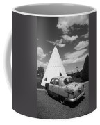 Route 66 Wigwam Motel And Classic Car Coffee Mug
