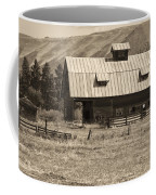 A Barn Near Ellensburg Wa Bw Coffee Mug