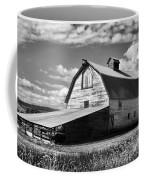 Big Barn Near Ellensburg Washington 2 Coffee Mug