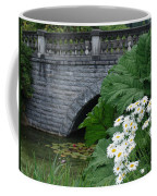 Stone Bridge Daisies Coffee Mug