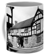 England: Red Lion Inn Coffee Mug