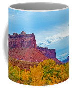 Red Sandstone Formations Going Into Needles District Of Canyonlands National Park-utah Coffee Mug