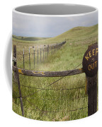 Rusty Keep Out Sign On Fence - California Usa Coffee Mug