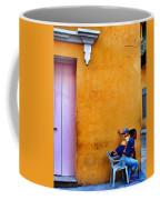 En Las Espaldas De Las Mujeres Coffee Mug