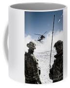U.s. Army Soldiers Watch The Arrival Coffee Mug