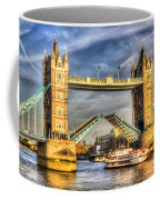 Tower Bridge And The Dixie Queen Coffee Mug