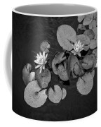 4425- Lily Pad Black And White Coffee Mug