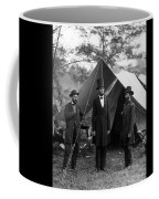 Lincoln With Allan Pinkerton - Battle Of Antietam - 1862 Coffee Mug