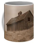 Old Barn In Washington Coffee Mug