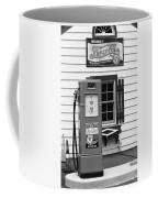 Route 66 - Illinois Vintage Pump Bw Coffee Mug