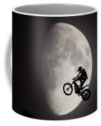 Un Saut Trop Loin Coffee Mug
