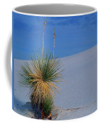 Yucca Plant In Sand Dunes In White Sands National Monument, New Mexico - Newm500 00112 Coffee Mug