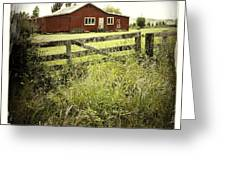 Barn In Field Greeting Card by Les Cunliffe