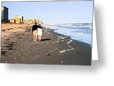 Lovers On The Beach Greeting Card by Tom Zukauskas
