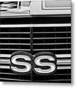 1970 Chevrolet Chevelle Ss 454 Grille Emblem Metal Print