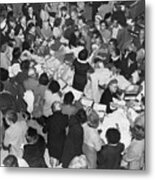 Crowds In Ohrbach's Store Metal Print