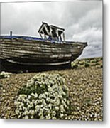 Dungeness Metal Print by Lesley Rigg