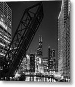 Kinzie Street Railroad Bridge At Night In Black And White Metal Print
