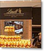 Lindt Chocolate Boutique In Vienna - Austria Metal Print