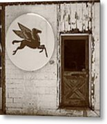 Route 66 - Rusty Mobil Station Metal Print