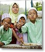 Smiling Muslim Children In Bali Indonesia Metal Print