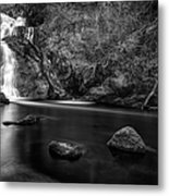 Spectacle E'e Waterfall Metal Print