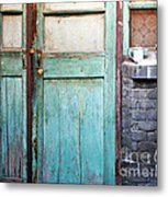 Welcome Home In Beijing Metal Print by Glennis Siverson