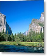Yosemite Valley Metal Print